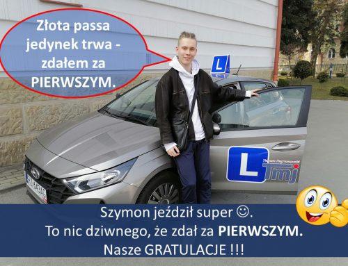 Szymon podtrzymuje złotą passę jedynek😆. Szymon jeździł super, więc nic dziwnego, że zdał za PIERWSZYM PODEJŚCIEM🥇 Brawoooo 👏 Gratulujemy ✌️.